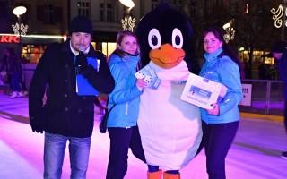 Losování vítězů vánoční soutěže.