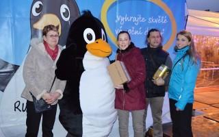 Předávání cen vítězům fotosoutěže a vánoční soutěže.