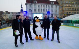 Zahájení 7. ročníku projektu Vánoční kluziště!!! proběhlo v sobotu 26. listopadu.