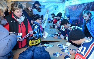 Exhibice hokejistů HC VÍTKOVICE STEEL - autogramiáda